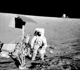 260px-Surveyor_3-Apollo_12